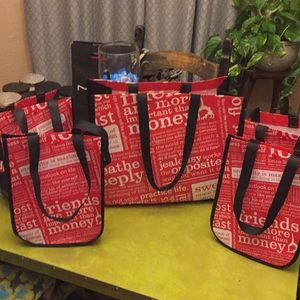 5 lululemon athletica re-useable totes